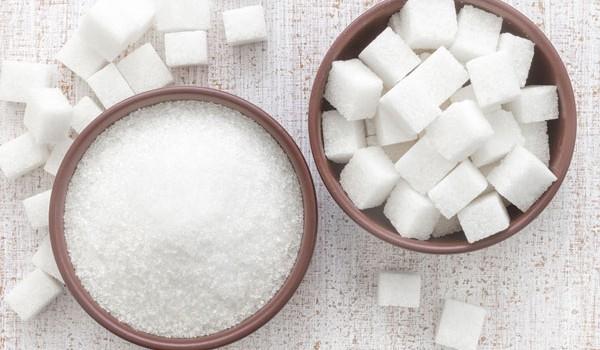 Vezi de ce nu este bine să consumi zahăr în cantități mari și care este doza zilnică permisă.