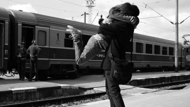 În acest videoclip (reclamă) vei vedea că iubirea nu are nevoie de o zi anume pentru a fi sărbătorită.