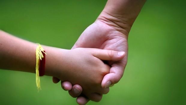 Părintele, niciodată nu îţi va întoarce spatele şi va fi întotdeauna alături de tine. Să îi iubim, respectăm şi preţuim pe cei ce ne-au dat viaţă!
