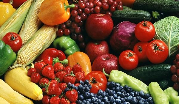 Toate alimentele anticancerigene descrise în acest articol, îndeosebi curele cu fructe, salate şi sucuri naturale, reprezintă adevărate surse de tratament suplimentar care nu ar trebui să fie ignorate.
