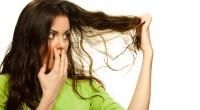 Te-ai săturat de acele fire rupte care îi dau un aspect inestetic părului tău? Vezi ce trebuie să faci pentru a scăpa de ele!
