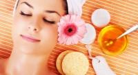 Folosită ca şi mască, mierea ne ajută pielea să se cureţe şi să devină moale şi netedă