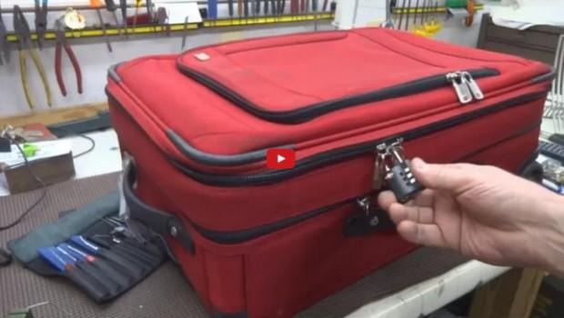 Ai un troler cu lacăte la fiecare fermoar şi astfel îţi simţi lucrurile în siguranţă? Află că din acest tip de bagaj poţi fi furat/ă doar cu ajutorul unui pix, de exemplu.