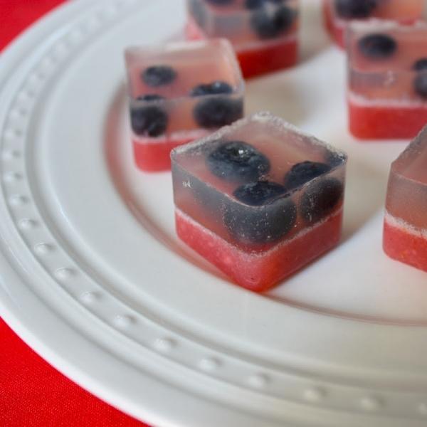jeleuri in tava de cuburi de gheata