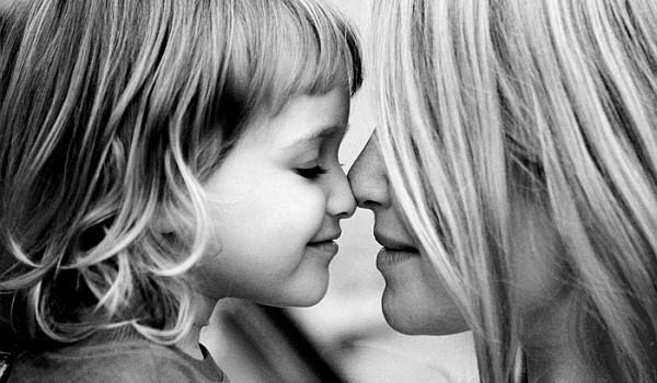 Această campanie ar trebui să pună un semn de întrebare tuturor părinților. Tu știi ce impact major au complexele tale asupra copiilor tăi?