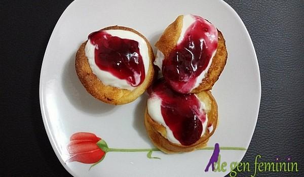 Pe lângă faptul că au un gust absolut delicios, fiind coapte în unt, aceste gustări se prepară foarte repede și cu bani puțini!