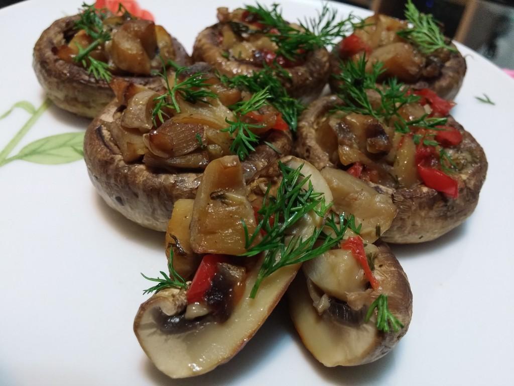 Ciuperci umplute cu legume - rețetă de post5