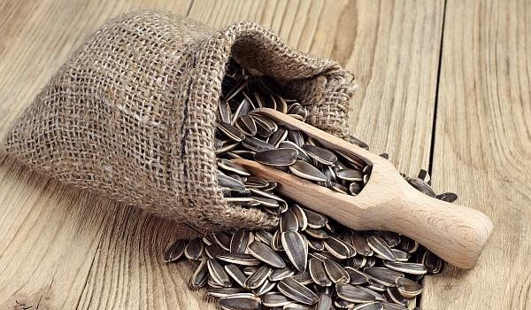 Modestele semințe de floarea-soarelui combat cu succes arterioscleroza, însă lista beneficiilor acestora continuă. Află la ce mai sunt bune!