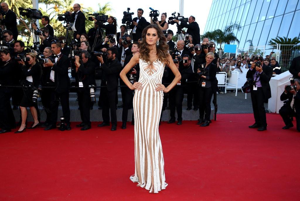 Izabel-Goulart tinuta Cannes