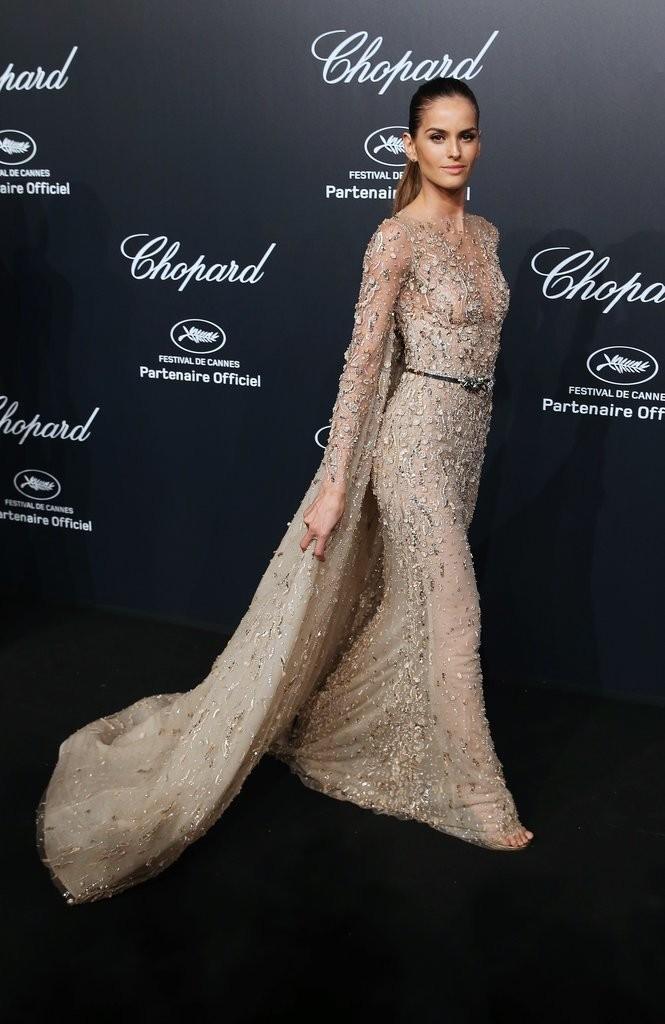 Izabel-Goulart tinuta Cannes2