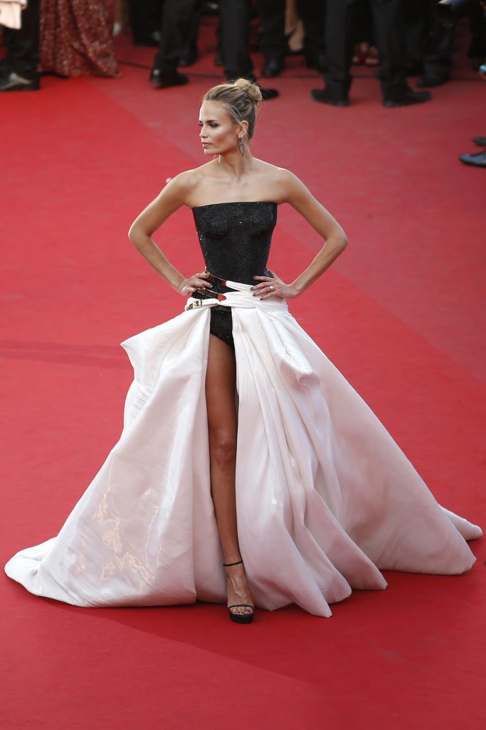 Natasha Poly tinuta Cannes