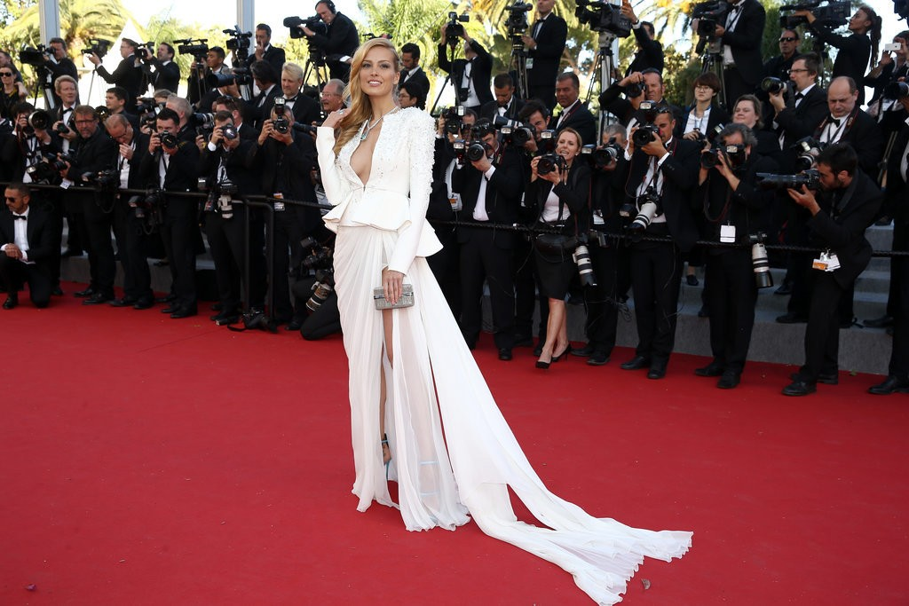 Petra-Nemcova tinuta Cannes