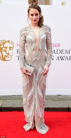 Rosie Fortescue tinuta neinspirata la premiile Bafta