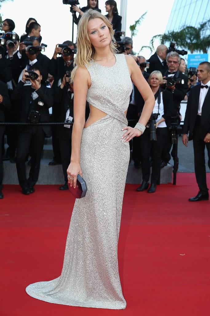 Toni-Garrn tinuta Cannes