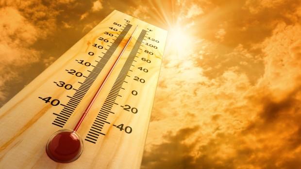 Pentru a nu vă expune pericolelor cauzate de temperaturile extreme din aceste zile, respectați sfaturile date de specialiști.