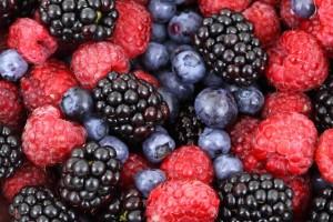 fructe de padure pentru par sanatos si puternic
