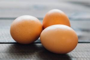 oua pentru par sanatos si puternic