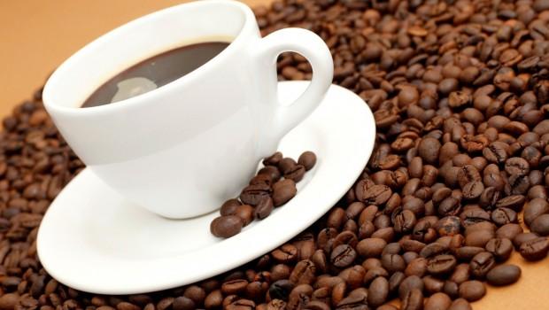 Cafeaua...cine nu adoră această licoare magică?  Odată servită, te vrăjeşte şi nu ai cum să o mai înlături din viaţa ta. Imaginează-ţi cât de monoton ar arăta lumea fără cafea!