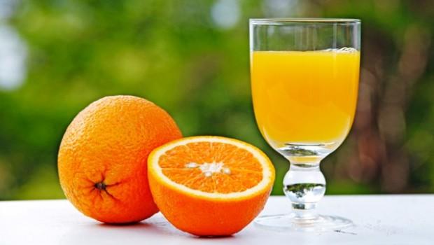Ce trebuie să alegem: sucul sau fructul?