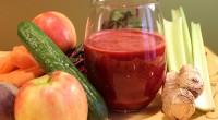 Învăţaţi cum să preparaţi acest suc pentru a vă proteja ficatul de acţiunea nocivă a tuturor toxinelor.