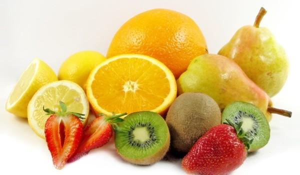 În general fructele sunt asociate cu un regim de viaţă sănătos, însă sunt anumite tipuri care ne ajută să slăbim mai repede.