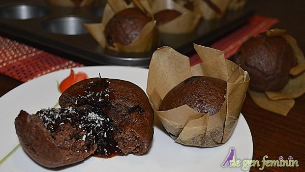 Această rețetă de negresă de post cu dulceață de vișine, îți va desfăta papile gustative! Vezi pașii de preparare în articol și videoclip!