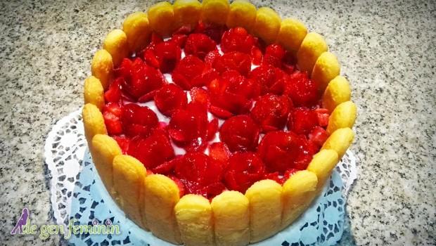Gustul acrișor de căpșuni transformă acest tort în gustarea ideală pentru zilele călduroase de vară, și nu numai. Încearcă și tu rețeta noastră.